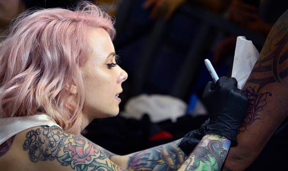 Si te piensas tatuar lee esto primero