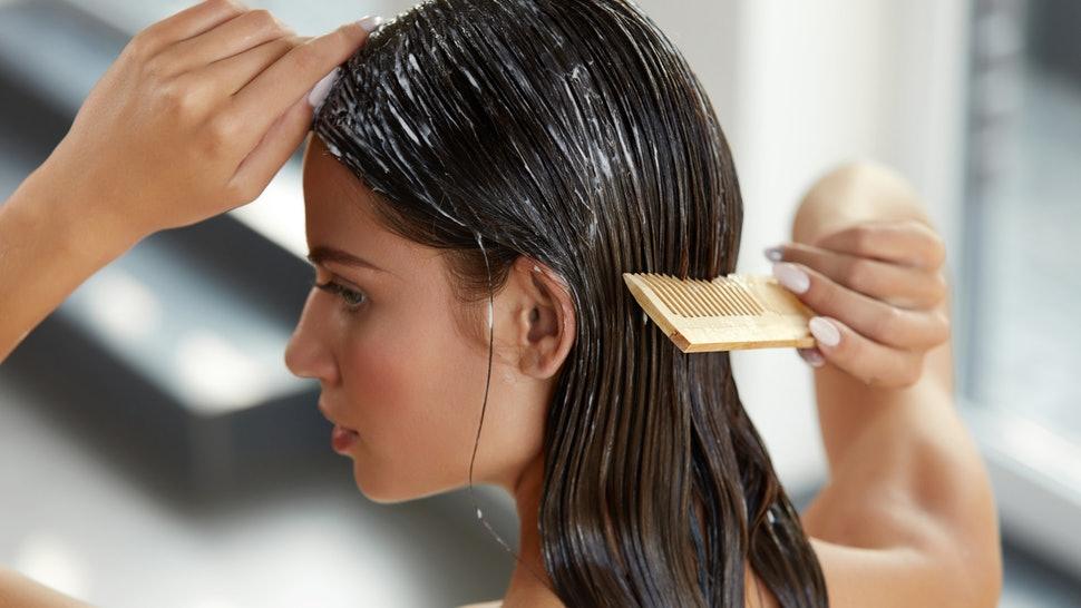 Cómo hacer una hidratación profunda a tu cabello